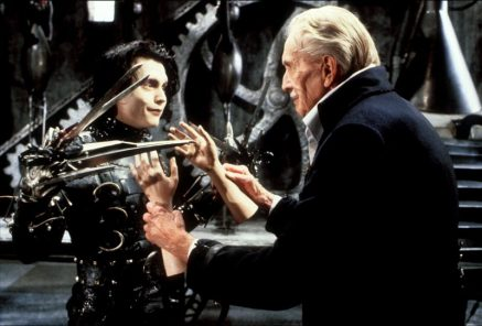 Edward-Scissorhands-Johnny-Depp-Vincent-Price-1990-800x542